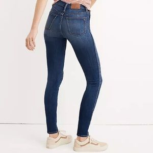 Madewell The Curvy High-rise Jeans in Sussex Wash